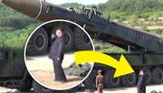 Hình ảnh Kim Jong Un hút thuốc ngay cạnh tên lửa sắp phóng