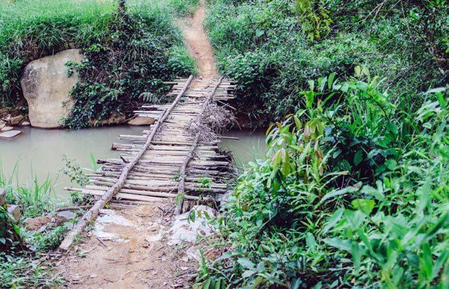 Thác ngàn Liliang bỏ hoang giữa núi rừng