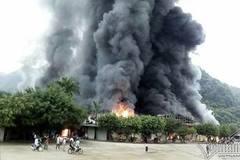 Lạng Sơn: Chợ cửa khẩu Tân Thanh bốc cháy dữ dội