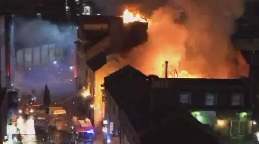 Cháy lớn tại khu chợ nổi tiếng ở London