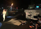 Chở xe máy kẹp 3 đâm sầm xe tải, đôi nam nữ 9X tử vong
