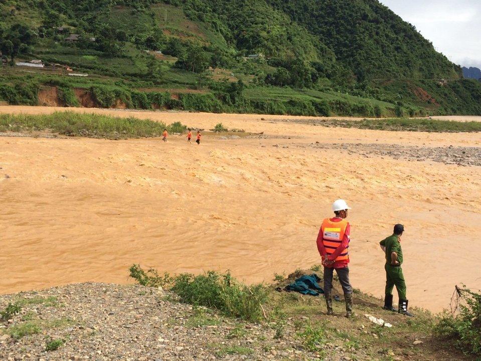 Thêm 1 người bị lũ cuốn mất tích ở Điện Biên