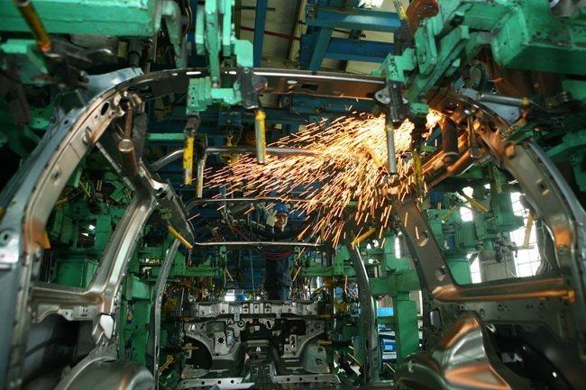 Công nghiệp ô tô, ô tô Việt Nam, tỷ lệ nội địa hóa, chính sách ô tô, ưu đãi ô tô, vinaxuki, công nghiệp hỗ trợ, thuế nhập khẩu ô tô