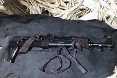 Nã súng AK để giải quyết mâu thuẫn cá nhân ở sân bóng