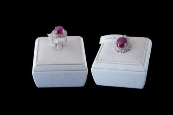 Bộ trang sức ruby sao Yên Bái hiếm nhất thế giới gần 2 tỷ đồng