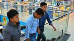 Quẹt thẻ trộm cắp mua iphone bị bắt tại trận