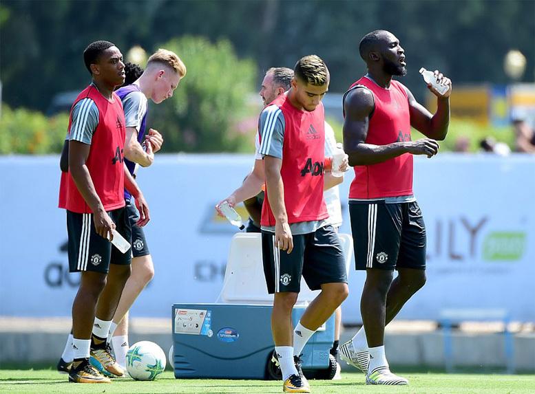Mourinho khiến học trò bở hơi tai ngày đầu 'luyện công'