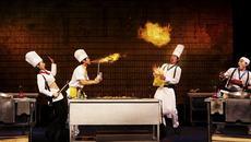 Thích thú xem sân khấu biến thành nhà bếp ngoạn mục
