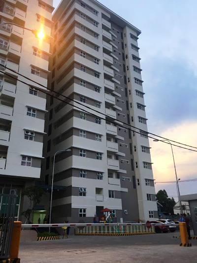 Bảo vệ chung cư rơi lầu chết thảm ở Sài Gòn