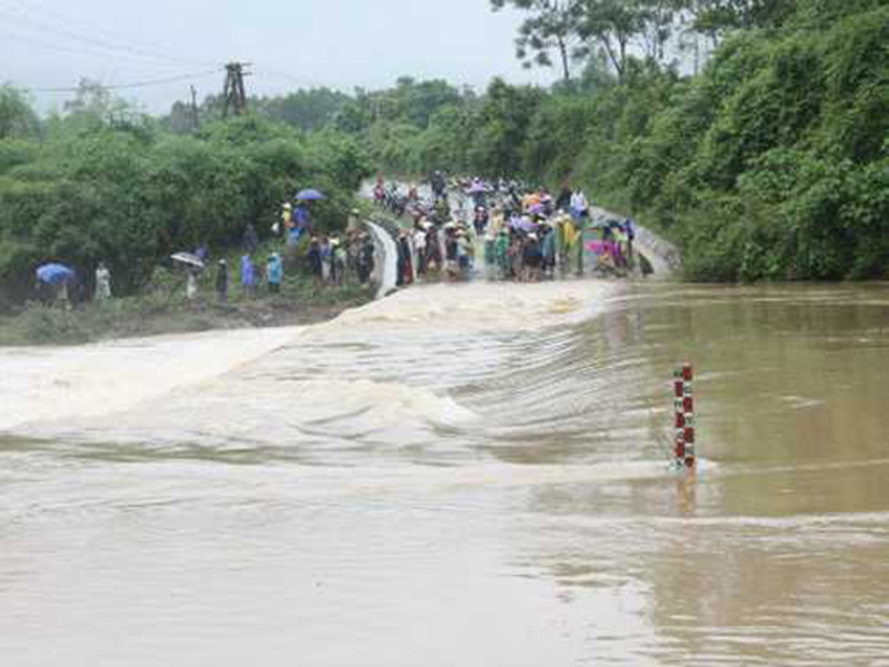 Thủ tướng Nguyễn Xuân Phúc, Thủ tướng, mưa lũ