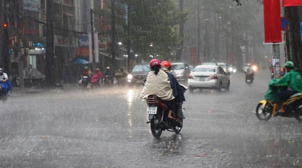 2 đầu đất nước mưa to