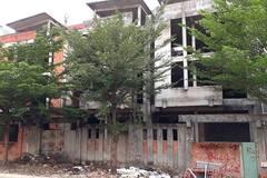 Rợn người cảnh hoang lạnh trong biệt thự Sài Gòn đắt đỏ