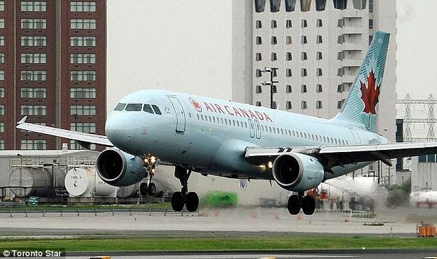 Thời khắc ớn lạnh suýt xảy ra thảm nạn hàng không