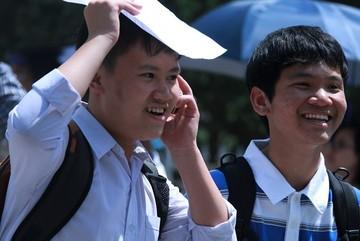 Quảng Ninh thưởng hơn 2 tỷ cho học sinh điểm cao thi  THPT quốc gia