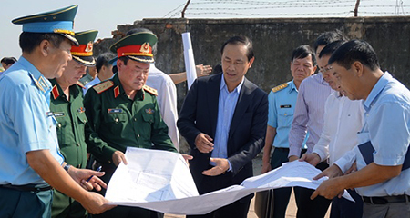 Bộ trưởng Quốc phòng: Bàn giao 1.500 ha đất quốc phòng cho 13 sân bay