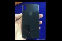 Lộ diện mặt lưng phủ kính của iPhone 8