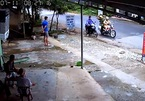Truy đuổi người nước ngoài trộm xe máy như phim hành động