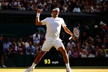 """Hạ gục """"máy giao bóng"""", Federer vào bán kết Wimbledon"""