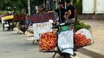 Cười ra nước mắt với tuyệt chiêu bán hàng rong ở Hà Nội