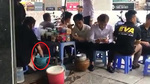 Sự thật clip cô gái rửa chân trong xô nước pha trà đá ở Hà Nội