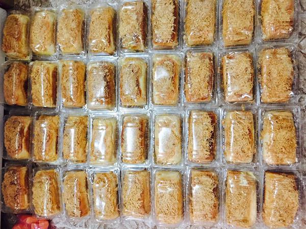 Kiếm chục triệu mỗi ngày nhờ bán bánh mì 'phô mai chảy tràn'