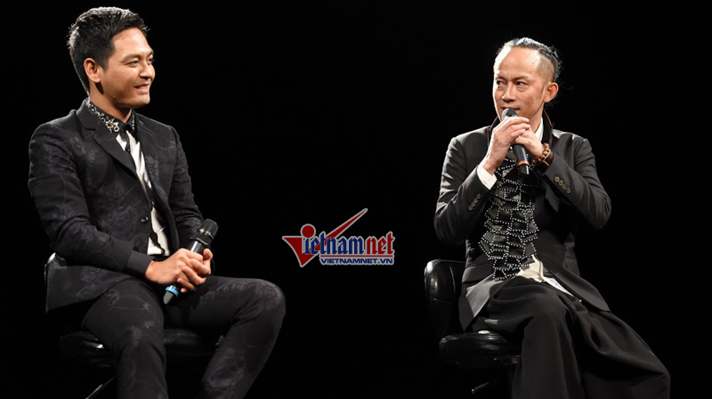 MC Phan Anh lúng túng khi bị làm khó trên sân khấu
