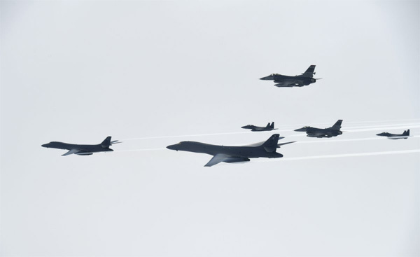 Chiến cơ Mỹ - Nhật - Hàn dàn trận thị uy Triều Tiên