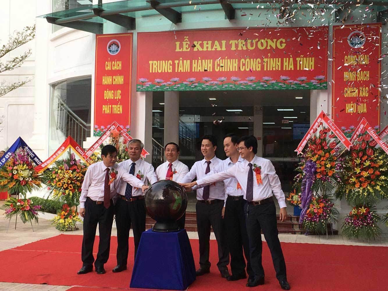 Chủ tịch Hà Tĩnh, Đặng Quốc Khánh, Hành chính công, công khai xin lỗi