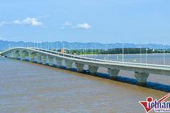 Bộ GTVT yêu cầu giải trình sai sót ở cầu vượt biển dài nhất VN