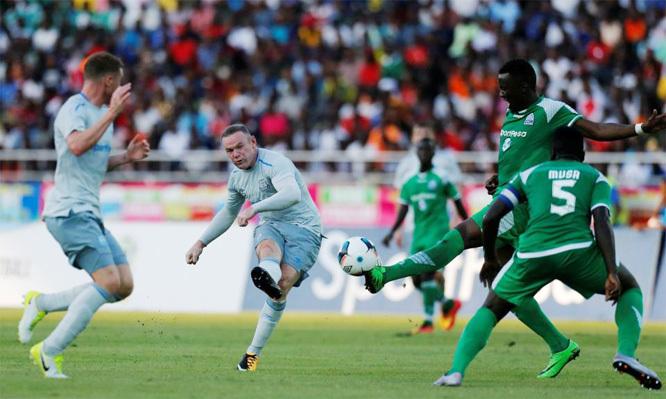 """Rooney """"nổ"""" siêu phẩm tuyệt đẹp ngày trở lại Everton"""