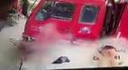 Nổ lốp ô tô kinh hoàng khiến thợ máy tử vong