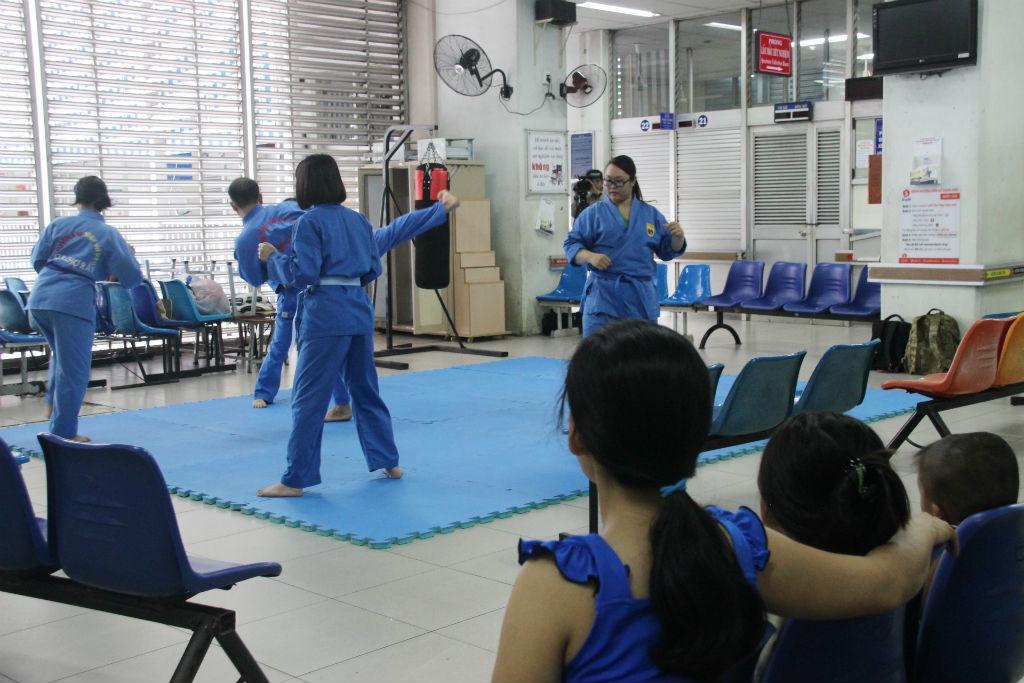 Bác sĩ Sài Gòn miệt mài luyện võ để phòng thân