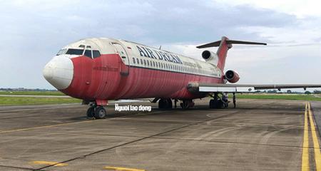 Bất ngờ bên trong máy bay Boeing bỏ rơi 10 năm ở Nội Bài
