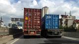 Container dàn hàng ngang, chạy 'rùa bò' trên vành đai 3