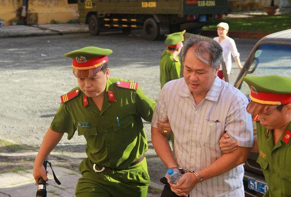 Phạm Công Danh, TPBank, Công ty Thiên Thanh, Ngân hàng Xây dựng,