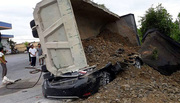 Nguyên nhân xe Hổ vồ đè chết tài xế xe con ở Nam Định