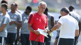 Mourinho báo tin cực vui cho fan MU