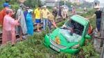 Hà Nội: Tàu hỏa kéo lê taxi, tài xế nguy kịch