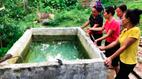 Chết lặng thấy 2 con chết đuối trong bể nước