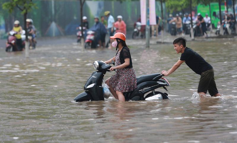Hà Nội nguy cơ ngập sâu do bão số 2