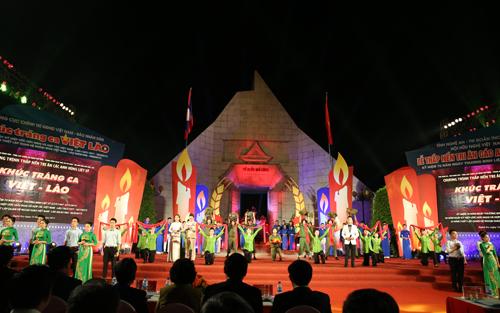 Phó Thủ tướng Vương Đình Huệ, Vương Đình Huệ, ngày thương binh liệt sĩ, Việt Lào
