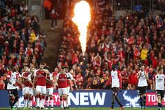 """Giroud """"nổ súng"""", Arsenal thắng dễ trên đất Úc"""