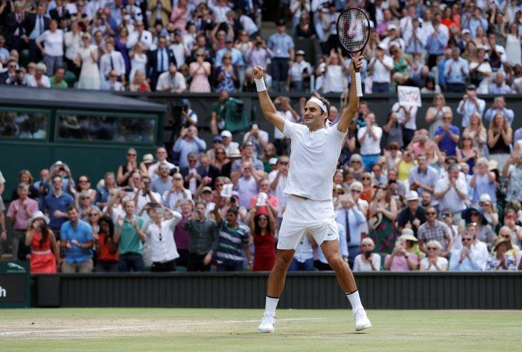 Federer bật khóc vì kỷ lục, U15 Việt Nam sớm vào bán kết