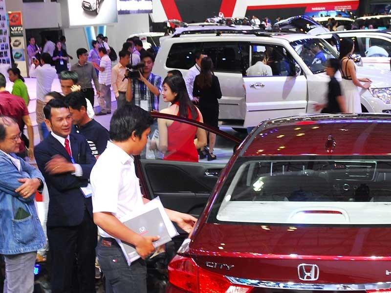 ô tô giảm giá,, ô tô nhập, mua ô tô, xe nhập, ô tô giá rẻ, thị trường ô tô, thuế ô tô