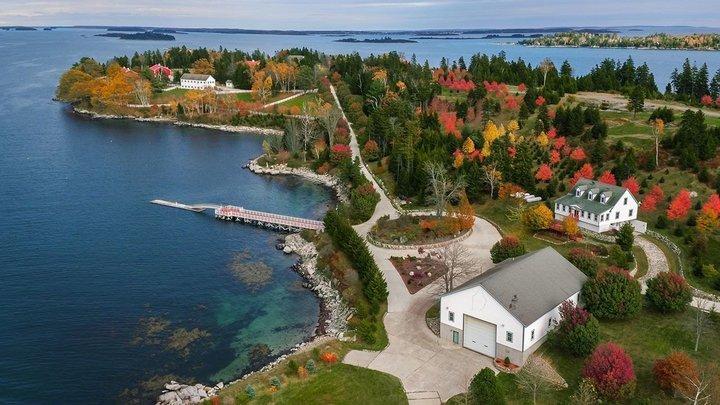 Hòn đảo hơn 170 tỷ đồng đẹp thơ mộng như bước ra từ cổ tích