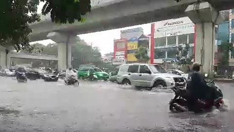 Mưa bão1