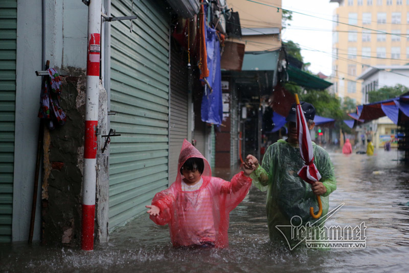 Áp thấp nhiệt đới,Tin bão mới nhất,Cơn bão số 2,mưa lớn,ngập Hà Nội