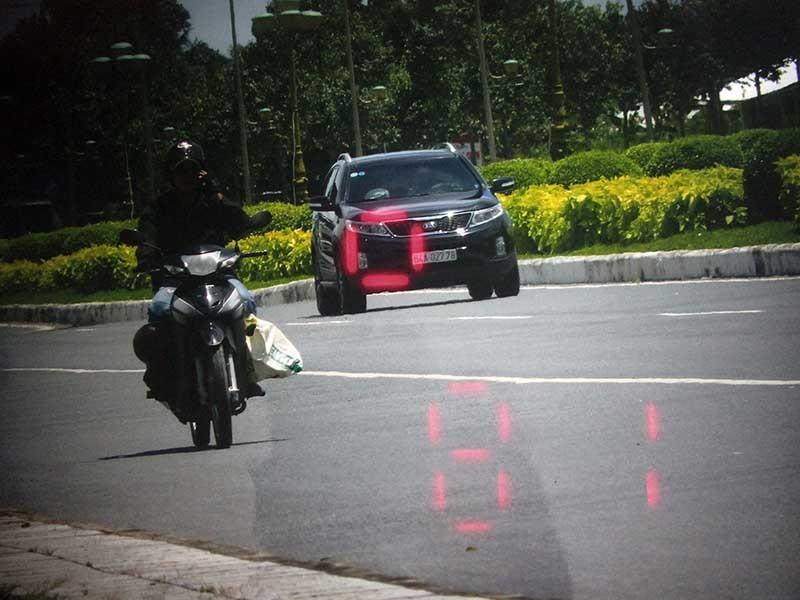 CSGT dừng xe chở Tướng Liêm: 'Chú chửi quá trời chửi'
