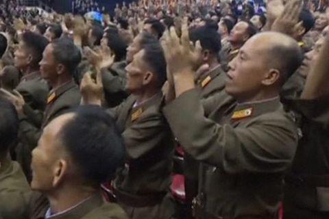 Những cô gái khiến các tướng lĩnh Triều Tiên rơi lệ