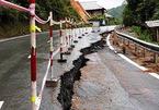 Quốc lộ ở Thanh Hoá nứt toác, nhiều xã bị cô lập sau bão
